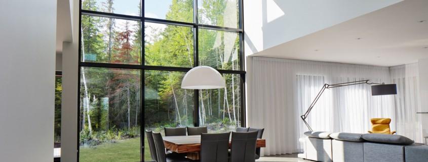 Pourquoi choisir de grandes fenêtres pour une maison
