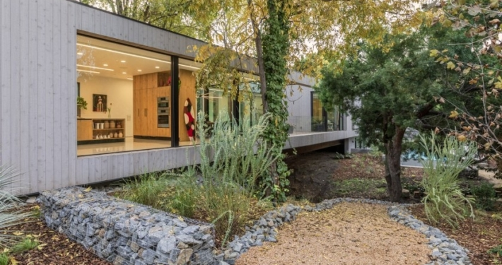Bridge House featured in the Los Angeles Times